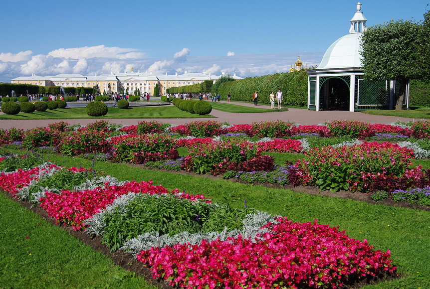 Верхний сад перед Большим Петергофским Дворцом